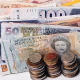 Меньше некуда: как изменились ставки по валютным депозитам в сентябре // РБК