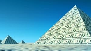 """Бесплатный сыр — в пирамиде. Как развивается ситуация с """"Кэшбери"""""""